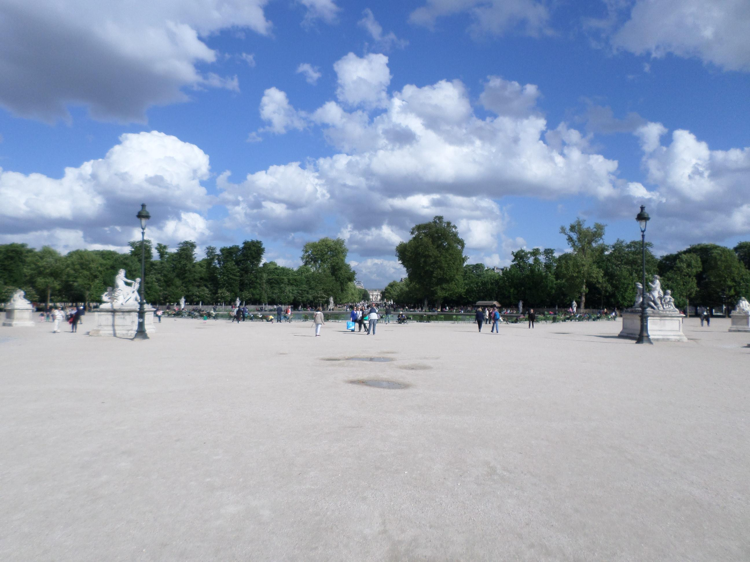 Tuileries Garden. Paris. Post your vacation photos and earn money with affiliate links
