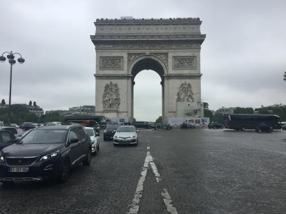Arc de Triomphe during the day