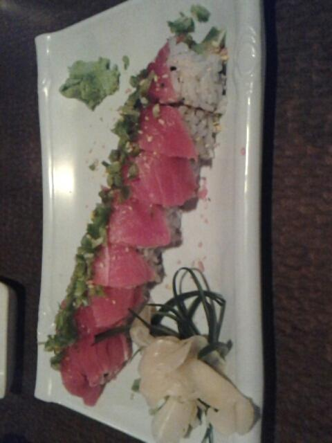 Spicy tuna roll $12 #food at sushi Zen