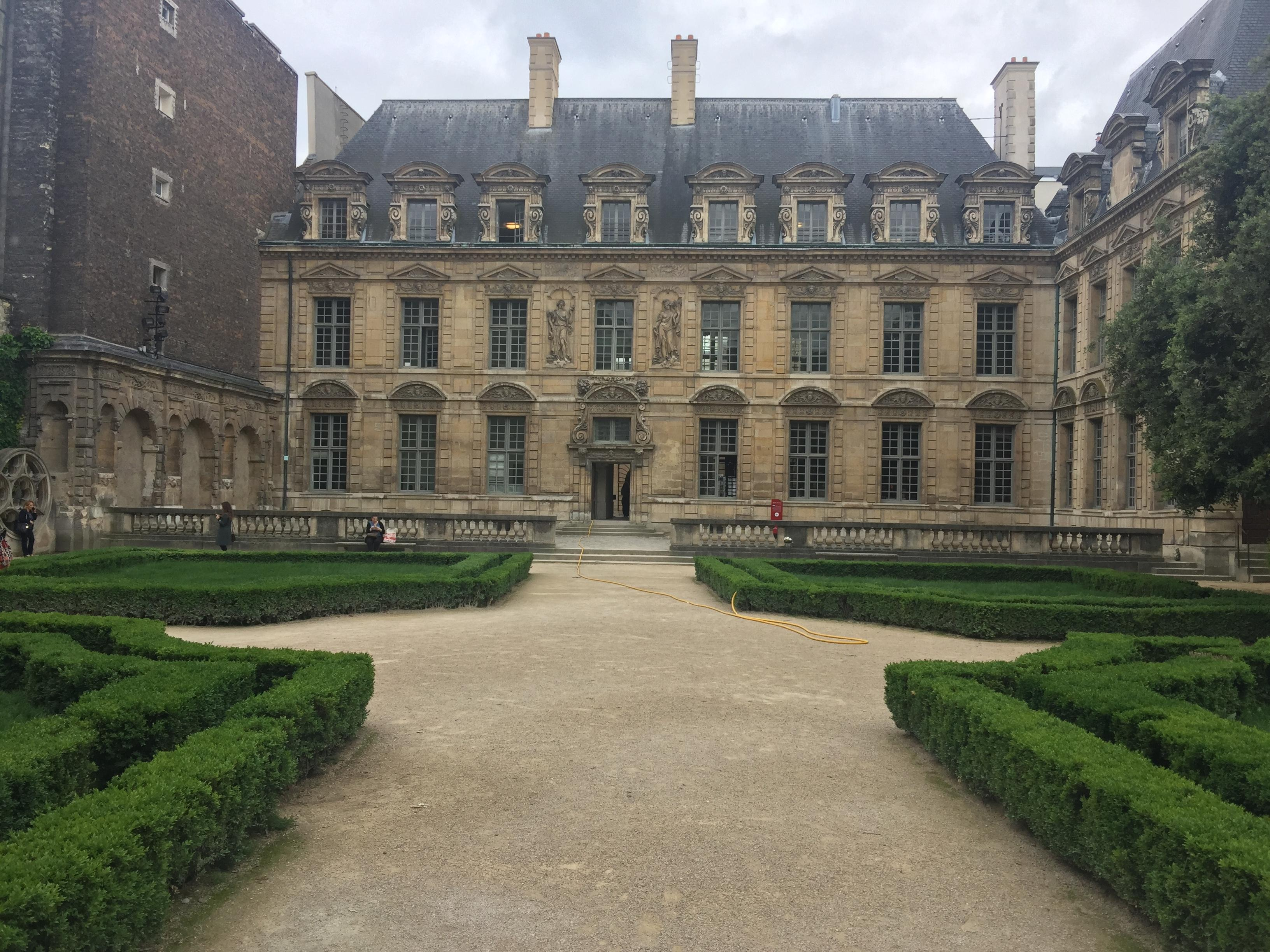 Hotel de Sully Paris near Place des Vosges