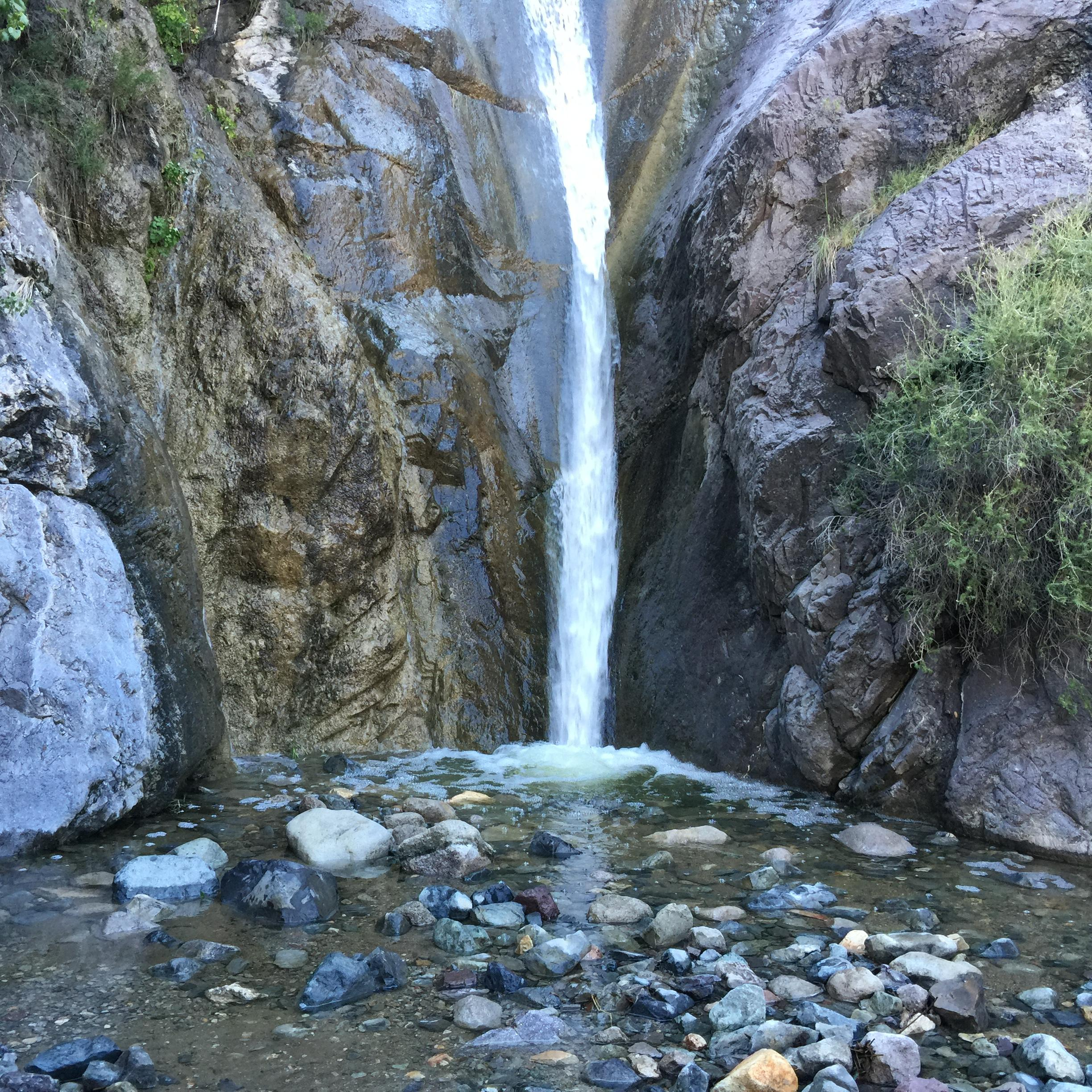 OpenNote: OpenNote: La Cueva Trail hiking waterfall in the dessert Las Cruces