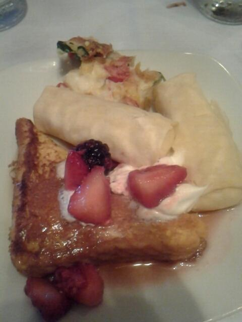 Eggs Benedict French toast at gi gis #food buffet